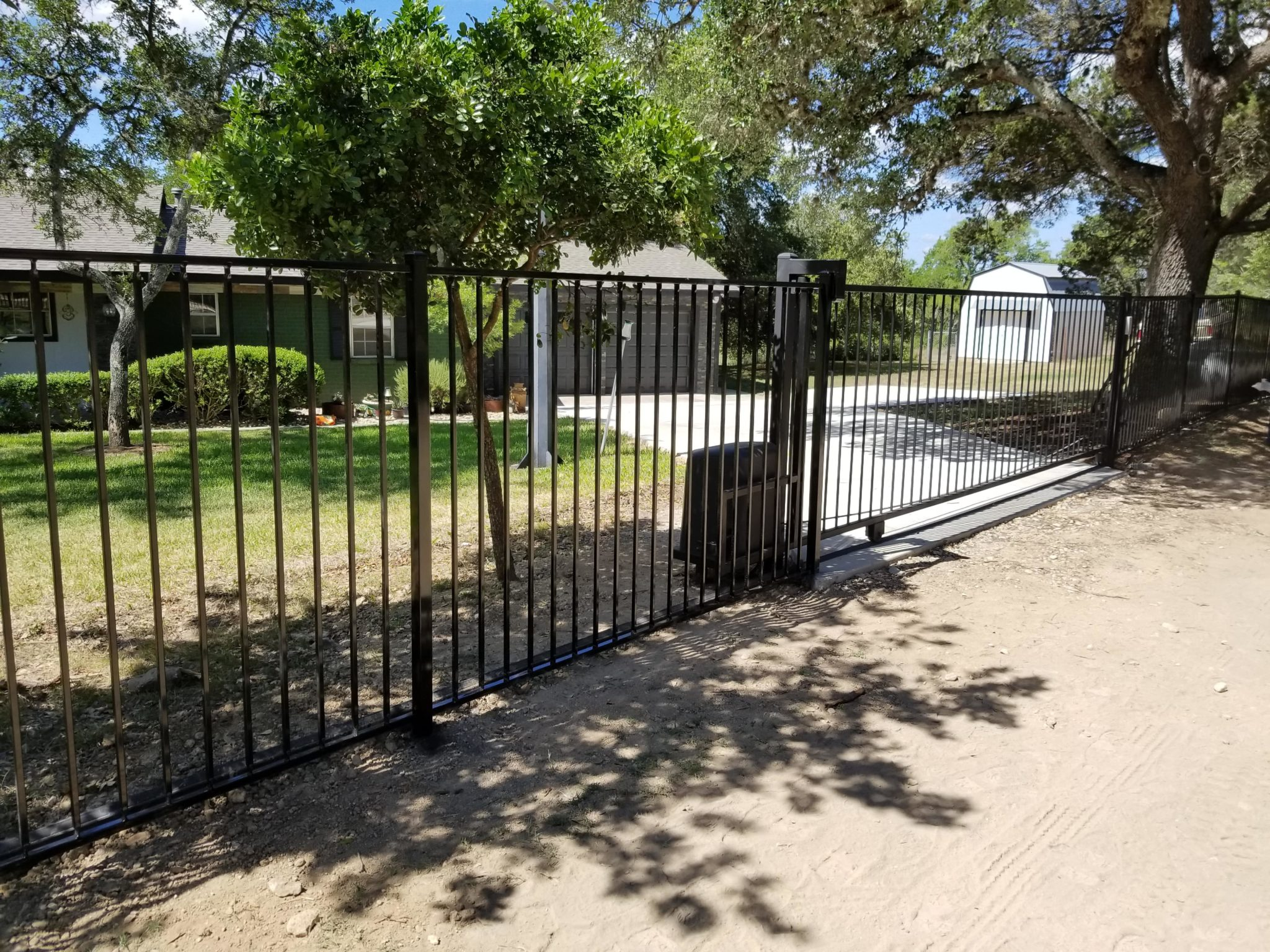 5ft ornamental with slide gate